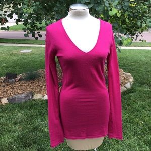 BCBG MAX AZRIA cashmere V neck sweater S M